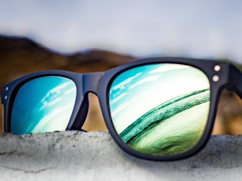 Óculos de sol indispensável no verão (Imagem: Flickr/Martin Snicer Photography)