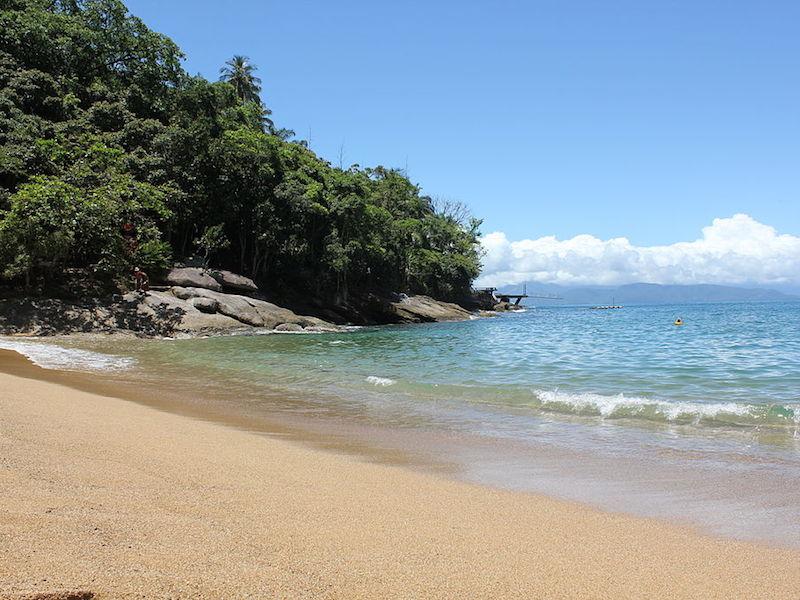 Praia da Fome - Ilhabela (Imagem: Wikimedia Commons/Priscila Mayumi de Souza)