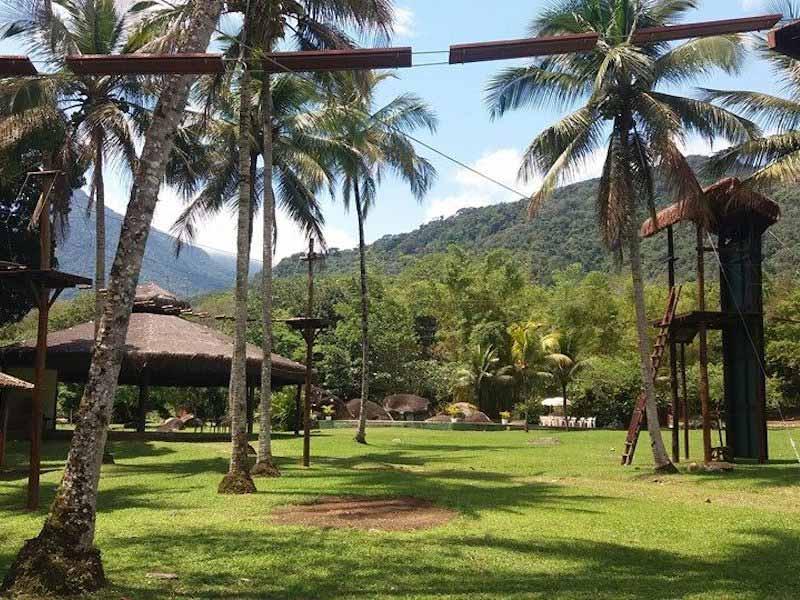 Área de lazer na Ilha da Aventura em Ilhabela (Imagem: Divulgação/Ilha da Aventura Eco Park)