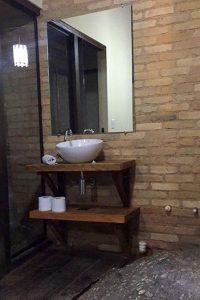 banheiro-suite-gold-yannai-chale-praia-ilhabela