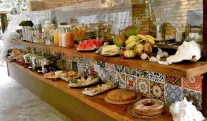 cafe-da-manha-yannai-chale-praia-ilhabela