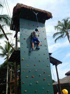 parede-de-escalada-ilha-da-aventura-eco-park-ilhabela