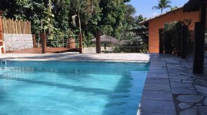 piscina-yannai-chale-praia-ilhabela