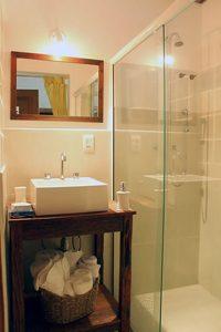 pousada-fascino-del-mare-ilhabela-banheiro