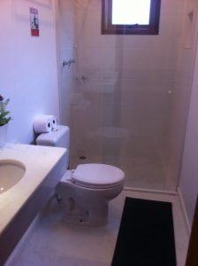 banheiro-chales-corais-da-ilha-ilhabela