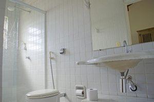 pousada-doce-villa-ilhabela-banheiro