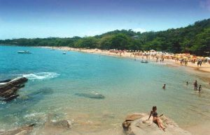 praia-do-curral-ilhabela-chales-corais-da-ilha
