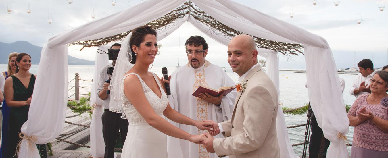 Janaína e Marcos - Casar na praia em Ilhabela