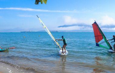 Ilhabela recebe aulas gratuitas de Windsurf