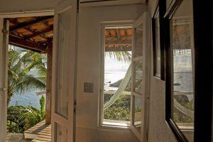 pousada-8-ilhas-ilhabela-suite-standard-com-varanda