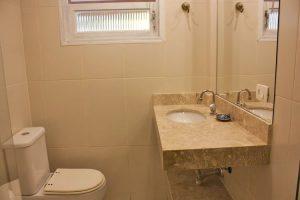 hotel-vista-bella-banheiro
