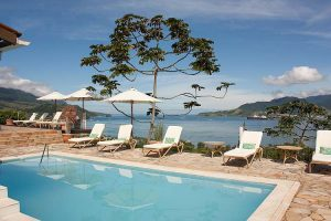 hotel-vista-bella-vista-piscina-02