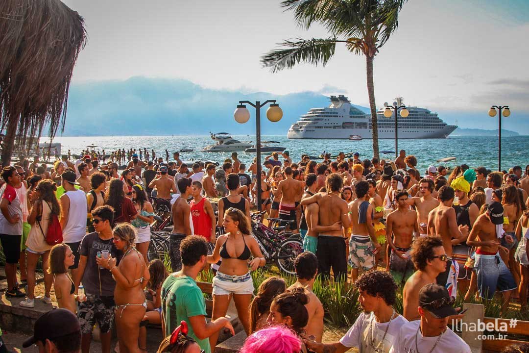 Banho da Doroteia - Carnaval 2018 em Ilhabela