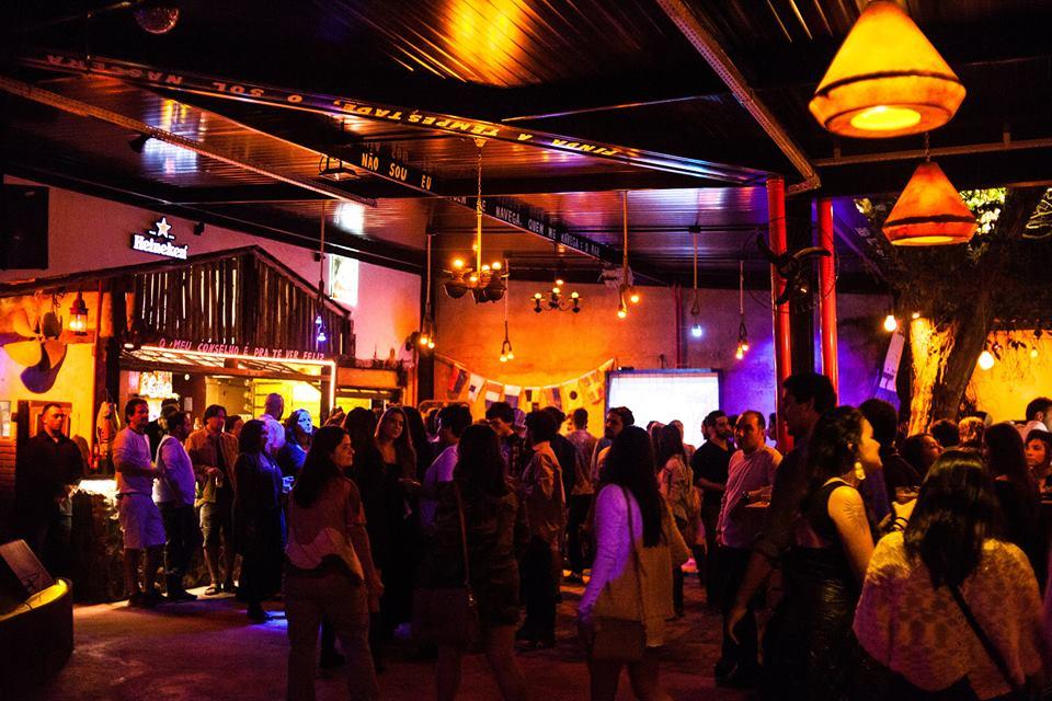 Reveillon Tropical no Estaleiro Bar em Ilhabela