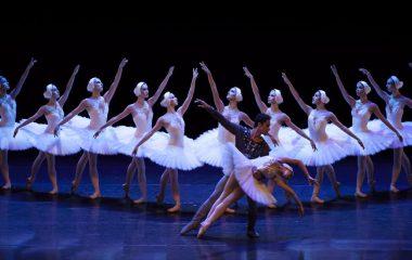 São Paulo Companhia de Dança comemora dez anos com espetáculo em Ilhabela