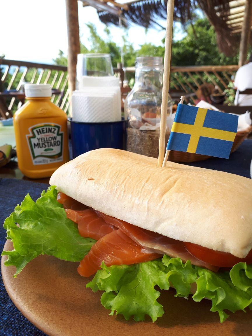 Sanduiche de Salmão - Ben's Bar e Comidaria Ilhabela