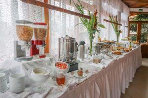 cafe-da-manha-hotel-praia-do-portinho-ilhabela-18
