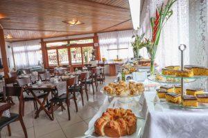cafe-da-manha-hotel-praia-do-portinho-ilhabela-25