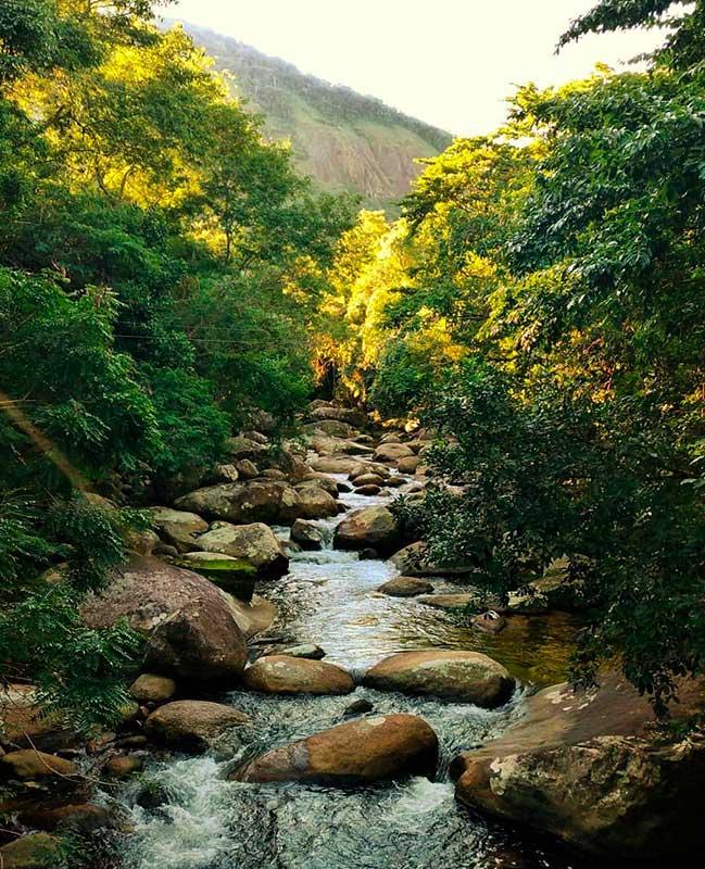 Cachoeira na Trilha do Bonete - Hallana Oliveira @belailhabela - Ilhabela.com.br (foto: reprodução instagram/@igorholanda)
