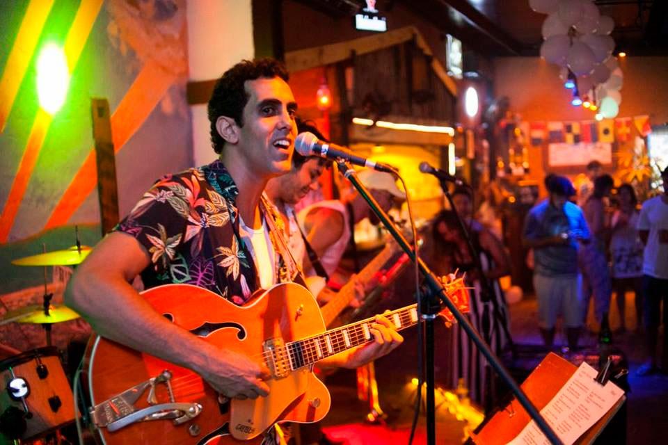 Ilhabela Réveillon Estaleiro Bar 2020 - Música com banda ao vivo