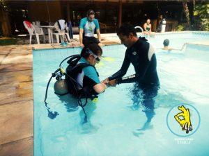 mergulhaso-aula-de-mergulho-em-piscina-ilhabela-01