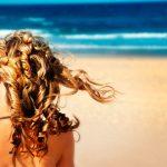 Verão x Cabelo: como proteger os cabelos dos danos da água do mar, sol e piscina