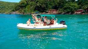 nilton-turismo-passeio-em-ilhabela-boat-02