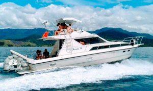 nilton-turismo-passeio-em-ilhabela-lancha-02