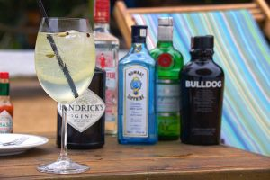 gin-tonica-bar-de-praia-espaco-tangara-ilhabela