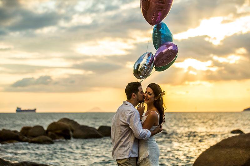 Mariana e Dan em seu pré-wedding em Ilhabela Ilhabela (Foto: Mauriane Riguetti e equipe)