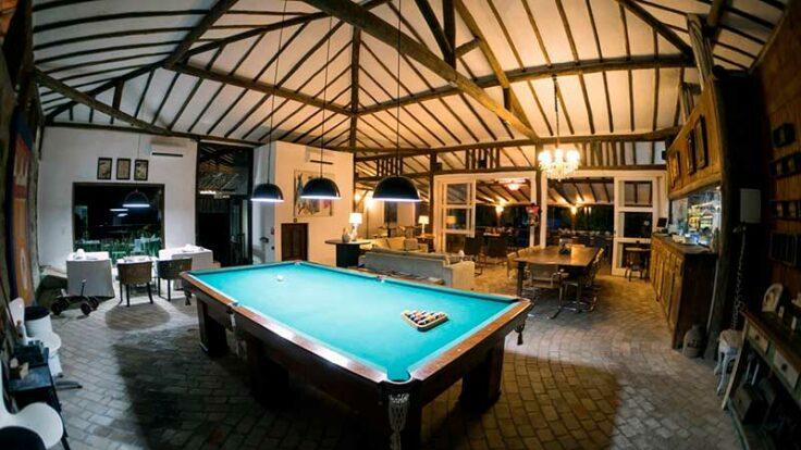 Salão de jogos com snooker - Hotel Boutique Ananas