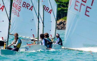 Semana de Monotipos abre regatas de julho em Ilhabela