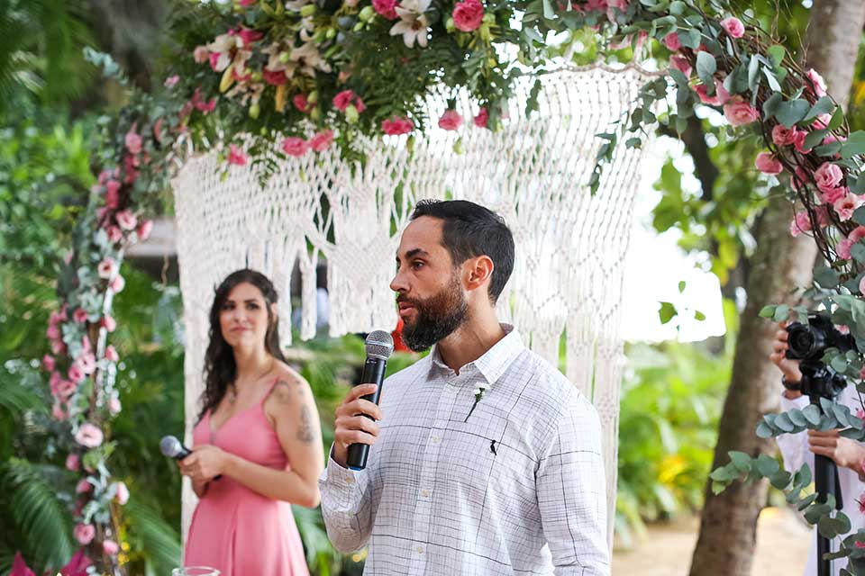 Cerimônia Celta - Casamento Bianca e Thiago - Casa de Canoa - Praia do Curral, Ilhabela (foto: Luiza Marques)