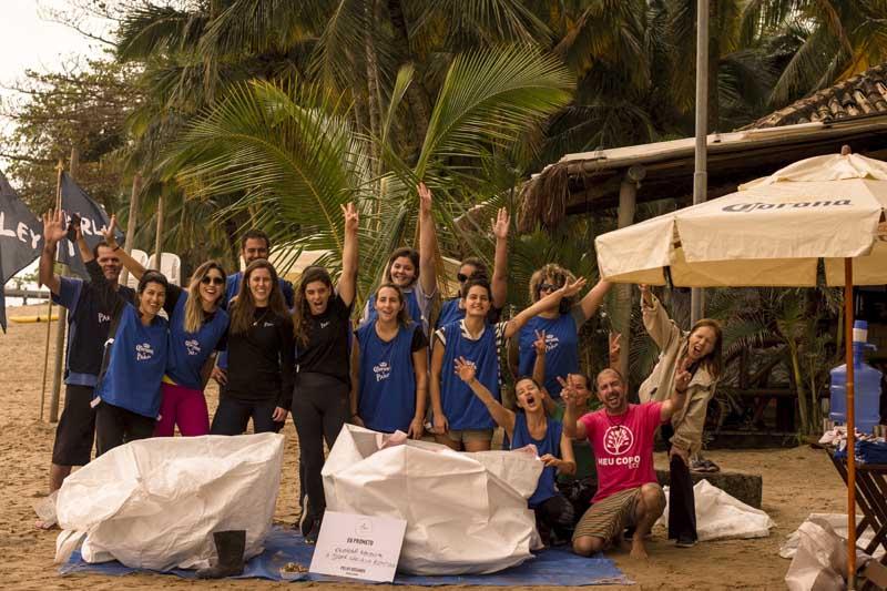 Ação de Limpeza Corona X Parley em Ilhabela