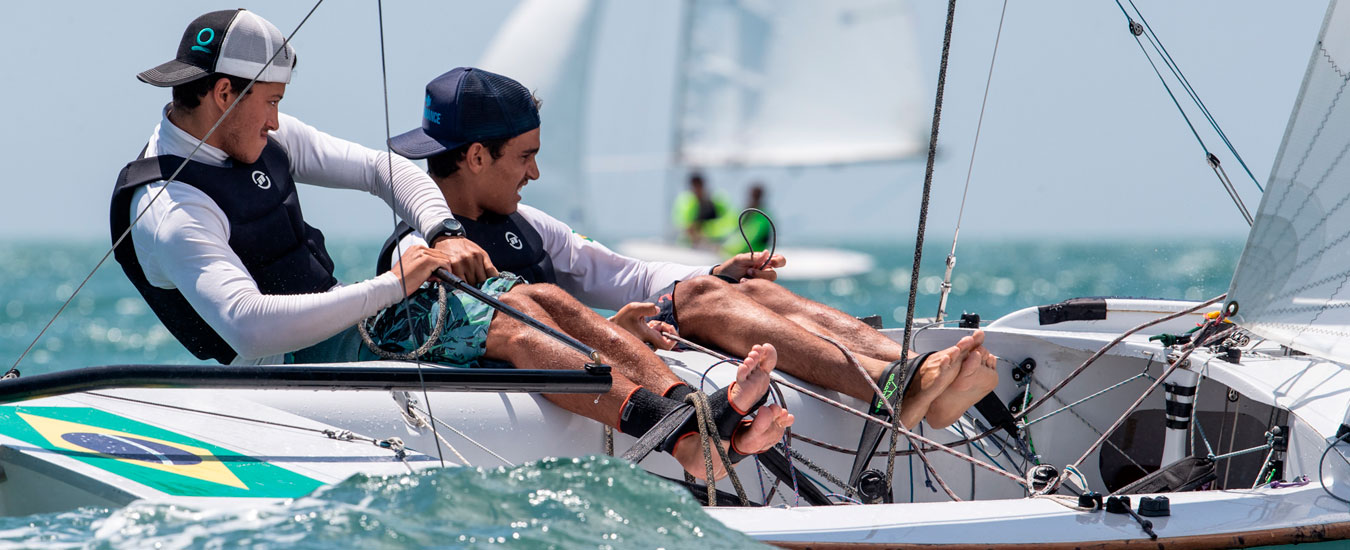 Matheus e Rafael no Mundial de Snipe 2019 em Ilhabela - Foto Matias Capizzano / Snipe Worlds