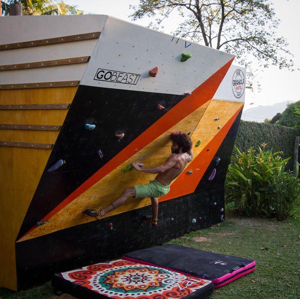 Parede de Escalada em Ilhabela - Leon, atleta Performance