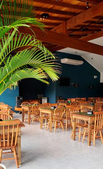 Ambiente - Esquina da Ilha Bar e Choperia em Ilhabela