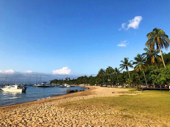Praia do Saco da Capela - Sereia Beach - Bar de Praia em Ilhabela