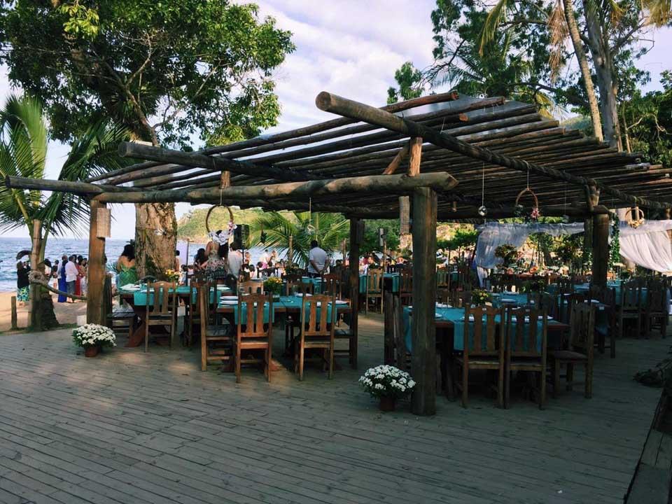 Espaço para casamentos no Espaço Tangará, na Praia do Jabaquara em Ilhabela