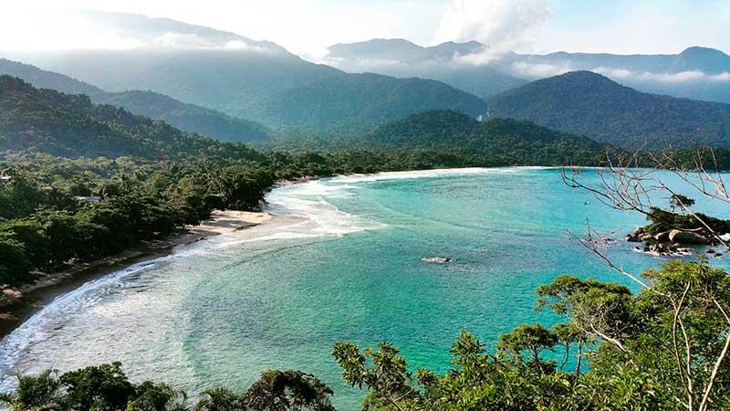 Castelhanos Heart Beach - Ilhabela por Estrangeiros | Ilhabela by Foreigners - Diane Hirt, from United States