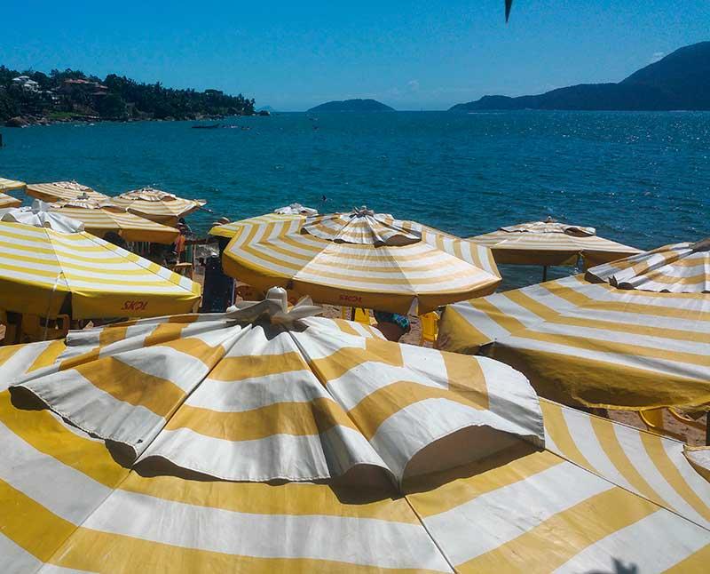 Umbrela beach at Ilhabela - Ilhabela por Estrangeiros | Ilhabela by Foreigners - Diane Hirt, from United States