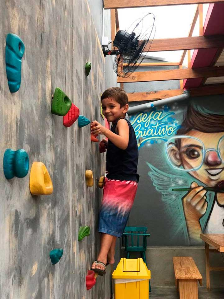 Parede de Escalada para Crianças - Açaí Park Ilhabela