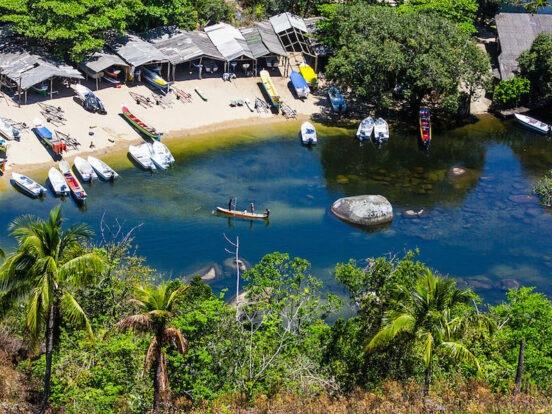 Vila de Pescadores na Praia do Bonete (Imagem: Wikimedia Commons/Thiago Sieiro Cunha)