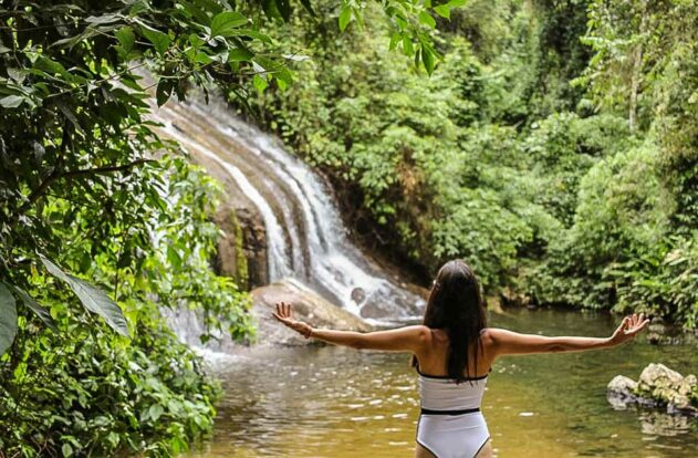 Cachoeira dos Três Tombos em Ilhabela (Foto: Bruna Garcez)