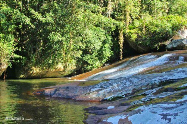 Ecoturismo Ilhabela - Cachoeira da Laje (Foto: Ilhabela.com.br)