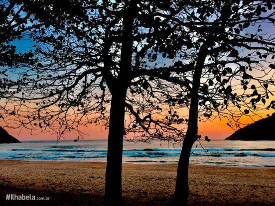 Natureza de Ilhabela - Entardecer na Praia do Bonete - Ilhabela
