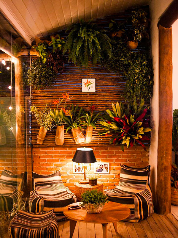 Casa Tiê - Coworking de fornecedores de casamento em Ilhabela - Bar de drinks e gastronomia macrobiótica aberto ao público
