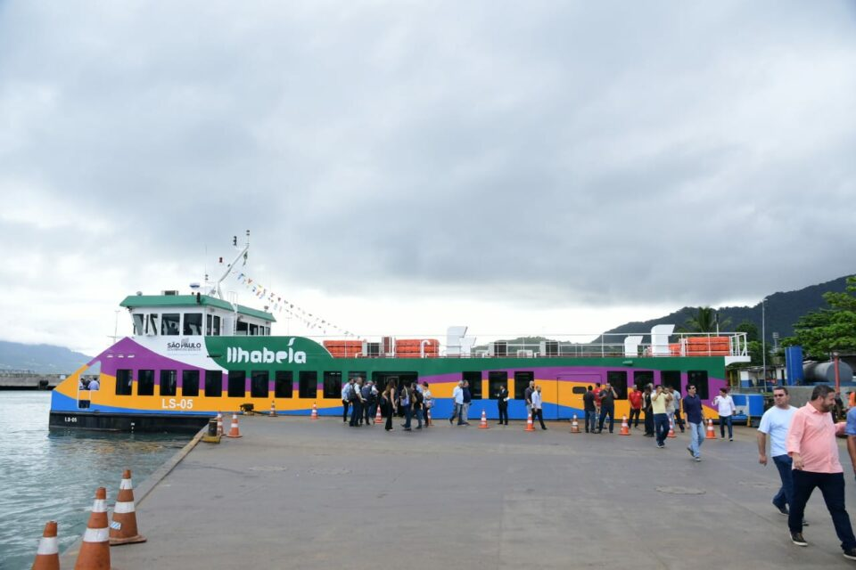 Balsa Ilhabela: travessia de pedestres foi limitada a 70% da capacidade das embarcações