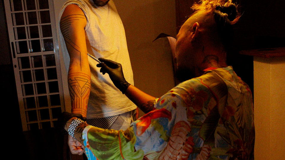 Casa Simple: Viva a experiência de tatuar em Ilhabela - Estúdio de tatuagem em Ilhabela