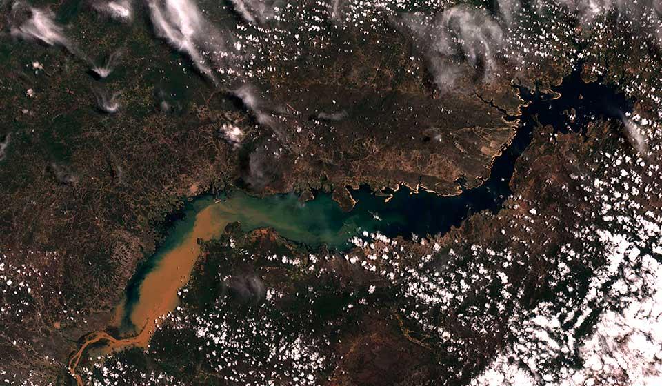 Cor verdadeira mostrando o reservatório de Sobradinho, Rio São Francisco, e seu entorno. (Imagem: divulgação / Inpe)